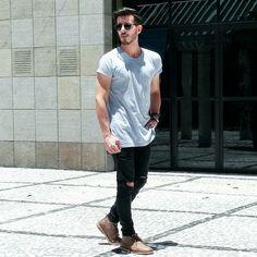 Outfit men, zara, longline t-shirt, destroyed jeans, rip jeans, menstyle, Rodrigo Perek