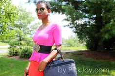 Color Block Mom wearing DIY statement earrings..The PinkJoy.com  #mom #colorblock #style #shorthair #DIY #blackgirls