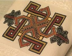 Home Decor, Crafts, Manualidades, Hand Embroidery, Hands, Projects, Decoration Home, Room Decor, Interior Design