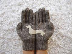 Hund Handschuhe Doxie Handschuhe Dackel dunkel Beige von yastikizi, $38.00