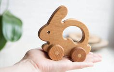 Hare Push Toy Organic Wo - Wood How to Crafts Wooden Toy Cars, Wooden Baby Toys, Wood Toys, Educational Baby Toys, Learning Toys, Toddler Toys, Kids Toys, Making Wooden Toys, Kid Furniture