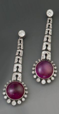 A pair of Art Deco platinum, diamond and cabochon ruby earrings, circa Old Jewelry, Stone Jewelry, Antique Jewelry, Beaded Jewelry, Ruby Earrings, Art Deco Earrings, Vintage Earrings, Bijoux Art Deco, Art Deco Jewelry