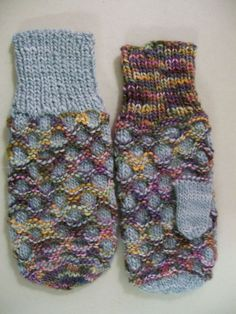 KnitTraders of Kingston Patterns: HONEYCOMB MITTENS