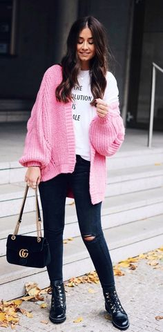 ee336f941e How to wear grey fedora hat with a pink sweater