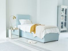 One for when your pals pop round. It's two nifty beds in one, also known as a crafty space-saving trundle bed!