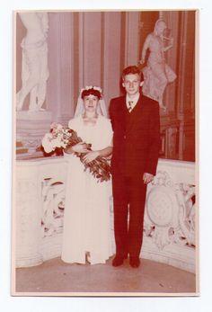 Свадьба.В ЗАКСе .Ленинград.1960-1970 г.Невеста и жених.Свадебное платье.Фата.