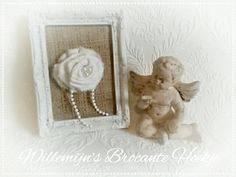 Frame with fabric flower ©Willemijn