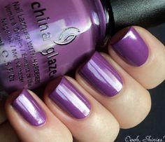 China Glaze Gothic Lolita, looks really good on toes! Love!