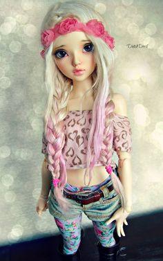 Eva- an MNF Chloe by DutchDevil