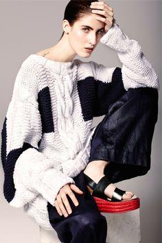 Sweater Manémané, Pants Vanesa Lorenzo, Shoes Bimba Y Lola