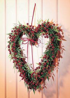 Bilderesultat for naturdekoration My Funny Valentine, Valentines, Diy Wreath, Door Wreaths, Grapevine Wreath, Christmas Presents, Christmas Wreaths, Christmas Crafts, Heart Wreath