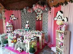 decoracion cumpleaños de la vaca Lola Horse Birthday, Farm Party, Love Pictures, Red Wedding, Princess Party, First Birthdays, Toddler Bed, Birthday Parties, Baby Shower