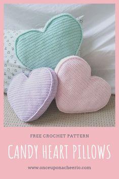 Candy Heart Pillow Crochet Pattern – This fun pillow looks like Valentine's conversation hearts. Candy Heart Pillow Crochet Pattern – This fun pillow looks like Valentine's conversation hearts.Candy Heart Pillow haakpatroon - Once Upon a CheerioS Crochet Pillow Pattern, Crochet Motifs, Crochet Cushions, Baby Blanket Crochet, Crochet Patterns, Crochet Ideas, Knit Pillow, Diy Crochet Pillow, Crochet Gratis