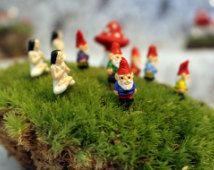 Miniatura gnomos-Yoga chica-Teeny pequeño jardín gnome-Wee hadas jardín gnomos-6 colores a elegir de-1/2