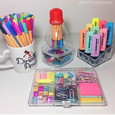 Cute back to school D.Y's for recycled materials Middle School Supplies, Back To School Supplies, Stationary Store, Stationary School, School Suplies, Study Room Decor, School Accessories, Cute Stationery, School Organization