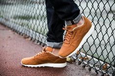 Reebok Classic Leather Lux PW (V68686) - http://goo.gl/wFK6UR