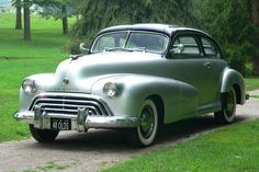 """1948 Oldsmobile """"66"""" Club Coupe"""