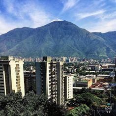 Te presentamos la selección: <<FOTO DEL DÍA>> en Caracas Entre Calles. ============================  F E L I C I D A D E S  >> @gloriacliras << Visita su galería ============================ SELECCIÓN @mahenriquezm TAG #CCS_EntreCalles ================ Team: @ginamoca @huguito @luisrhostos @mahenriquezm @teresitacc @marianaj19 @floriannabd ================ #Caracas #Venezuela #Increibleccs #Instavenezuela #Gf_Venezuela #GaleriaVzla #Hallazgosemanal #Ig_GranCaracas #Ig_Venezuela #IgersMiranda…