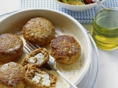 Feta-Buletten mit Grillgemüsesalat ist ein Rezept mit frischen Zutaten aus der Kategorie Gemüsesalat. Probieren Sie dieses und weitere Rezepte von EAT SMARTER!