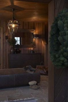 Living at Mountain Lodge Trysil Cozy Cabin, Cozy Cottage, Cabin Homes, Log Homes, Cottage Design, House Design, Dark House, Cabin Christmas, Cabin Interiors