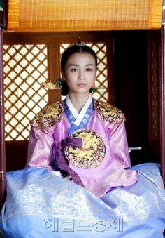 Ha ji won hanbok asian influence pinterest