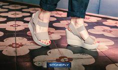 Se ami le zeppe, quest'estate camminerai solo con #Stonefly! Saint Tropez è solo un esempio: sandalo con fasce elastiche incrociate e #zeppa 10 cm super leggera con finitura lucida. Scoprilo qui! >> http://ow.ly/eHXI30021IA