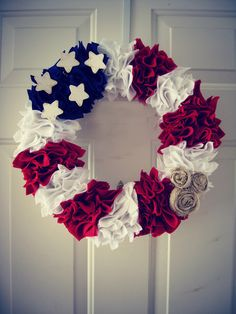 (DIY Independence Day Wreath)