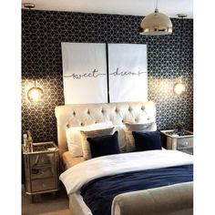 blue bedroom House of Alice Cubic Shimmer Metallic Wallpaper Navy Blue Gold - Wallpaper from I Love Blue And Gold Bedroom, Navy Blue Bedrooms, Gold Bedroom Decor, Gold Rooms, Bedroom Colors, Blue Gold, Bedroom Ideas, Midnight Blue Bedroom, Bedroom Images
