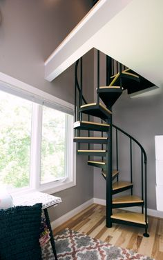 Small Room Decor Stairs - The Vacationer Spiral Staircase. Spiral Stairs Design, Small Staircase, Loft Staircase, Home Stairs Design, House Stairs, House Design, Stair Design, Spiral Staircases, Style At Home