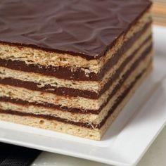 "Discover Why Women Around The World Went Crazy About This Recipe-""Cappuccino Cake""! Pan Dulce, Köstliche Desserts, Delicious Desserts, Dessert Recipes, Yummy Food, Food Cakes, Cappuccino Cake Recipes, Biscuits Graham, Choco Chocolate"