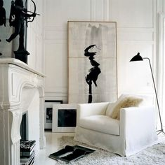Black & White Art On decorating before and after design interior design design home design Black And White Interior, White Art, Black White, Brown Interior, Black Art, Modern Interior, French Interior, Classic Interior, Ivory White