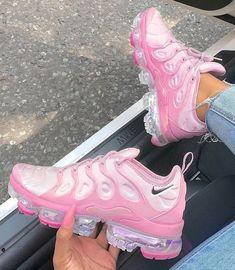 Cute Nike Shoes, Cute Nikes, Cute Sneakers, Nike Air Shoes, Sneakers Adidas, Men Sneakers, Jordan Shoes Girls, Girls Shoes, Pink Shoes