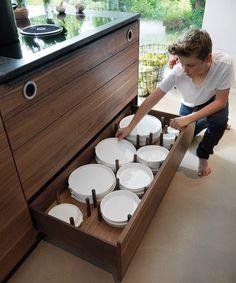 Holzküche black line mit Tellerboden mit Distanzhaltern
