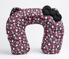 Hello Kitty Travel Pillow: Pattern