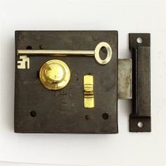 A good quality cast iron, brass trimmed, nightlatch. Featuring sliding, deadlockable latch (in open or closed position). Accessible from outside with key only. Supplied complete with iron keep and hand cut replacement key. In full working order, additional keys available from your local key cutter.