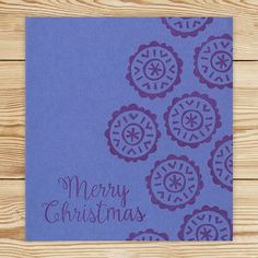 Liilalle korttipohjalle on leimattu Merry Christmas ja toiseen laitaan lumihiutaleita tummanliilalla musteella. Merry Christmas was stamped onto violet card with dark violet ink. Snowflakes were stamped onto the edge of the card. Glitter Glue, Brown Paper, Star Shape, Smudging, Twine, Snowflakes, Origami, Merry Christmas, Stamp