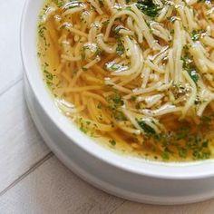 Złoty rosół – król wszystkich zup. Jak ugotować idealny rosół z kurczaka