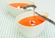 Sültpaprika-krémleves | NOSALTY Gazpacho, Fondue, Cantaloupe, Tea Cups, Food Porn, Cheese, Fruit, Cooking, Tableware