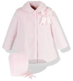 Precioso abrigo infantil de pelo muy suave en color rosa para niña con capota incluida