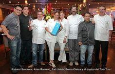 Hacen festín con notas tequileras @ChefRSandoval @bruno_oteiza @Casa Dragones http://www.cronicasdelsabor.com/sabores/marcan-tendencia/316-con-la-presencia-de-casa-dragones.html… @Another Company México pic.twitter.com/lyP7VWoroa