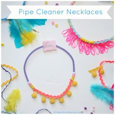Mini Makers: Pipe Cleaner Necklaces - Little Button Diaries Diy Crafts For School, Diy Crafts For Teen Girls, Crafts For Kids To Make, Craft Activities For Kids, Diy For Teens, Kids Crafts, Craft Kids, Pipe Cleaner Crafts, Pipe Cleaners