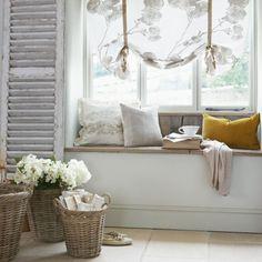 Roses and Rust: Winning Window Seats
