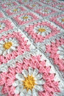 tillie tulip - a handmade mishmosh  Love her daisy blankets!   # Pin++ for Pinterest #