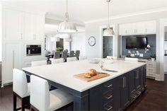 Light Transitional Kitchen by Kelly Deck    #1  -HomePortfolio-
