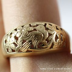 MING'S HAWAII BIRDS IN PLUM 14K YELLOW GOLD DOME RING (SZ 8)