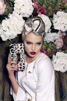 50 Electrifying Eyeshadow Editorials - From Bloodshot Eye Makeovers to Eyeshadow Masks (CLUSTER)