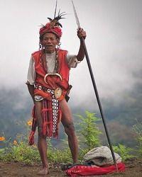 An Igorot warrior, Sagada, Mountain Provinces, Philippines Philippines Culture, Philippines Travel, Costume Ethnique, Vietnam, Taiwan, Sagada, Filipino Culture, Cultural Diversity, Indigenous Art