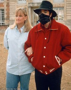 Michael Jackson with his wife Debbie Rowe, visiting the 'Champ de Bataille' castle in French Normandie. (France 1997)