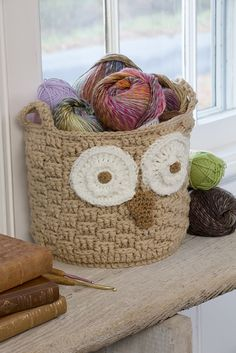 Michelle Wilcox' free crochet pattern for the It's a Hoot Owl Container.