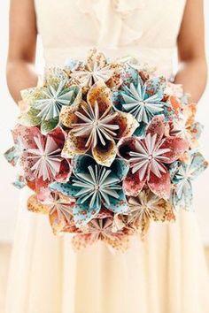 <p>Un bouquet à usage unique, pour un jour unique. Son style se veut original, et avec lui, vous pouvez zapper la case lancée du bouquet.</p>